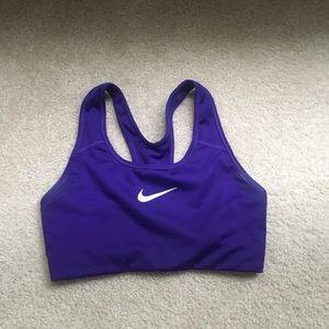 Nike sports bra size medium